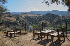 Деревянные столы для пикника и стенды в горах, Турция Стоковые Фото