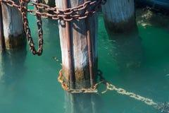 Деревянные томбуи на грандиозном канале Стоковые Изображения RF