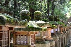 Деревянные фонарики стоковые изображения