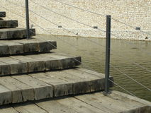 Деревянные шаги водой Стоковое фото RF