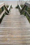 Деревянные шаги к пляжу Стоковые Фотографии RF