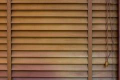 Деревянные штарки окна, текстура jalousie стоковые фотографии rf