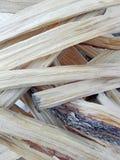Деревянные щепки подготовленные для огня Стоковые Изображения RF