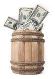 Деревянный бочонок с 100 долларовыми банкнотами Стоковое Изображение RF