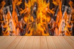 Деревянный верхний огонь места Стоковая Фотография RF