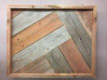 Деревянный вид картинной рамки на стене Стоковые Фотографии RF