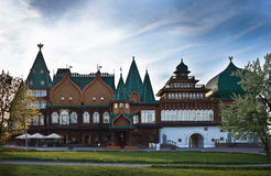 Деревянный дворец царя Alexei Mikhailovich в парке Kolomenskoye Стоковые Изображения