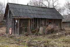 Деревянный дом в России стоковое изображение rf