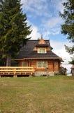 Деревянный дом стоковые изображения rf