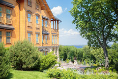 Деревянный загородный дом Mejigorye стоковое изображение