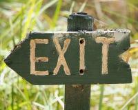 Деревянный знак выхода стоковое фото rf