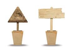 Деревянный знак на белизне Деревянный старый знак планок Стоковая Фотография RF