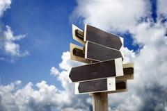 Деревянный знак с голубым небом Стоковое фото RF