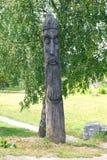Деревянный идол в парке Стоковые Фотографии RF