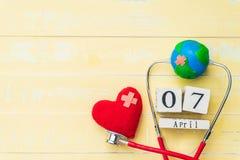 Деревянный календарь блока на день здоровья мира, 7-ое апреля Здравоохранение Стоковое Изображение