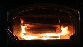 Деревянный камин горя HD видео- сток-видео