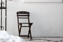 Деревянный коричневый стул стоковая фотография