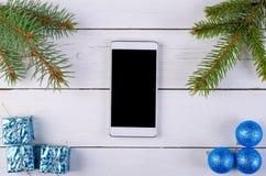 Деревянный космос предпосылки и smartphone для вашего текста Стоковые Фото