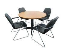 Деревянный круглый стол с стульями Стоковое Изображение RF