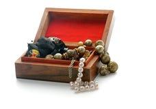Деревянный ларец ювелирных изделий Стоковое Фото