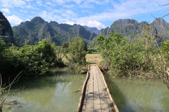 Деревянный мост в сельской местности Лаоса Стоковое Изображение