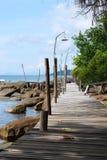 Деревянный мост к морю стоковая фотография rf