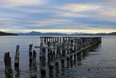 Деревянный мост, этап посадки, озеро Yehuin, Аргентина Стоковые Изображения RF