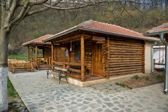 Деревянный дом выходных от журналов древесины 02 Стоковое Изображение