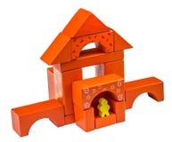 Деревянный дом сделанный от покрашенных деревянных блоков Стоковое фото RF