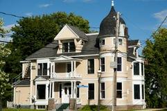 Деревянный дом - Fredericton - Канада Стоковое фото RF