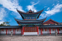 Деревянный дом Lijiang, двор Юньнань Стоковые Изображения