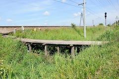 Деревянный пешеходный мост Стоковые Фотографии RF