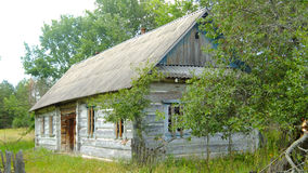 Деревянный, покинутый дом Стоковые Изображения