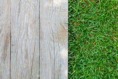 Деревянный пол с зеленой травой стоковое изображение rf