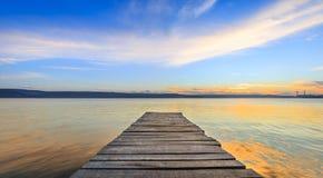 Деревянный путь в воде Стоковые Изображения