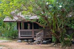 Деревянный сельский дом Стоковые Фотографии RF