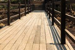 Деревянный старый мост стоковое фото