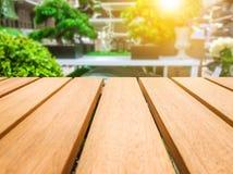 Деревянный стол для ваших текстуры и концепции продукта Стоковые Изображения RF