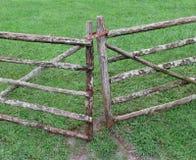 Деревянный строб выгона фермы поляка Стоковые Фотографии RF