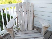 Деревянный стул в лете Стоковое Изображение RF