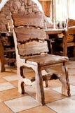 Деревянный стул стоя в столовой Стоковое Фото
