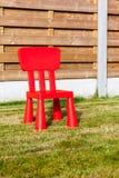 Деревянный стул whit загородки стоковое изображение