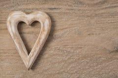 Деревянный Харт на древесине стоковая фотография