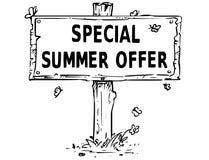 Деревянный чертеж доски знака с специальным текстом предложения лета Стоковые Изображения RF