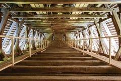 Деревянный чердак церковь-крепости Bunesti средневековой, Bodendorf, Трансильвании, Румынии стоковая фотография rf