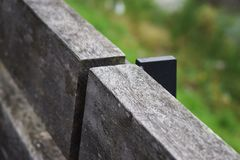 Деревянный backrest городского банка Стоковые Фото