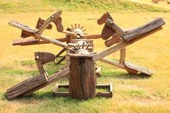 Деревянный seesaw стоковая фотография rf