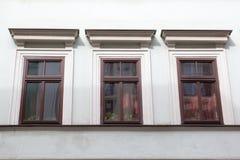 3 деревянных окна на фасаде Белого Дома Стоковые Фото