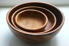 3 деревянных пустых шара еды штабелированного na górze одина другого Стоковые Фотографии RF