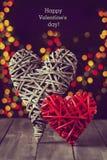 2 деревянных сердца на темной таблице Валентайн дня s скопируйте космос Стоковые Фото